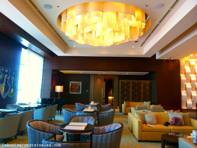 CRIMSON HOTEL FILINVEST CITY MANILA: GOING SOUTH ON A WEEKEND