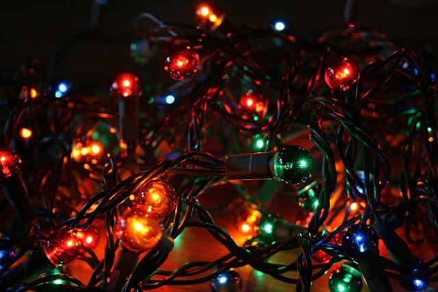 Luzes de Natal: É possível decorar com economia de energia e segurança