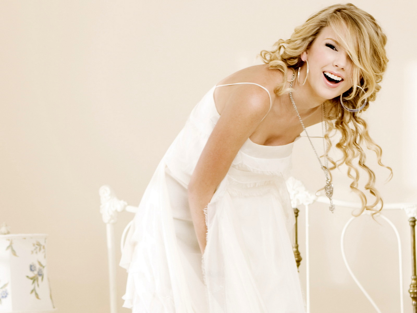 Zayn Malik Cute Wallpaper Taylor Swift Wallpapers Hd 2012 It S All About Wallpapers