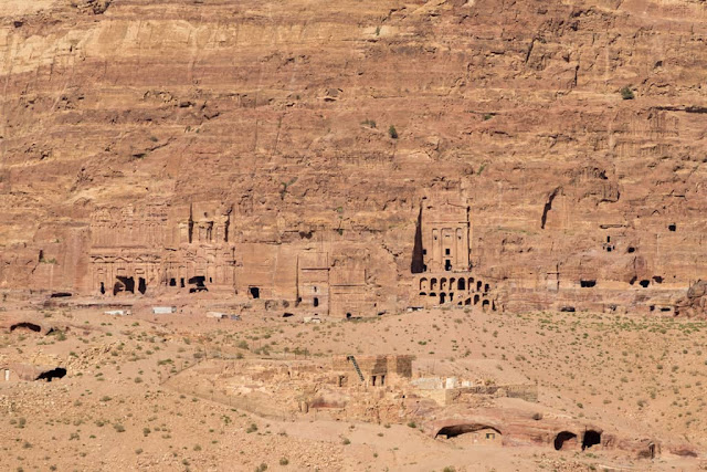 Panoramica de las Tumbas Reales de Petra