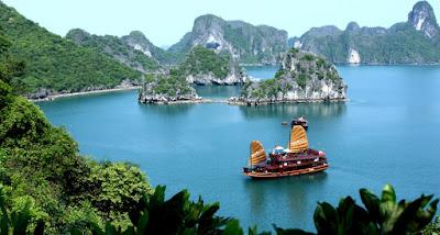 Du thuyền khám phá vịnh Hạ Long