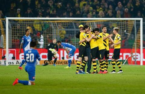 Màn ăn mừng chiến thắng của đội chủ nhà