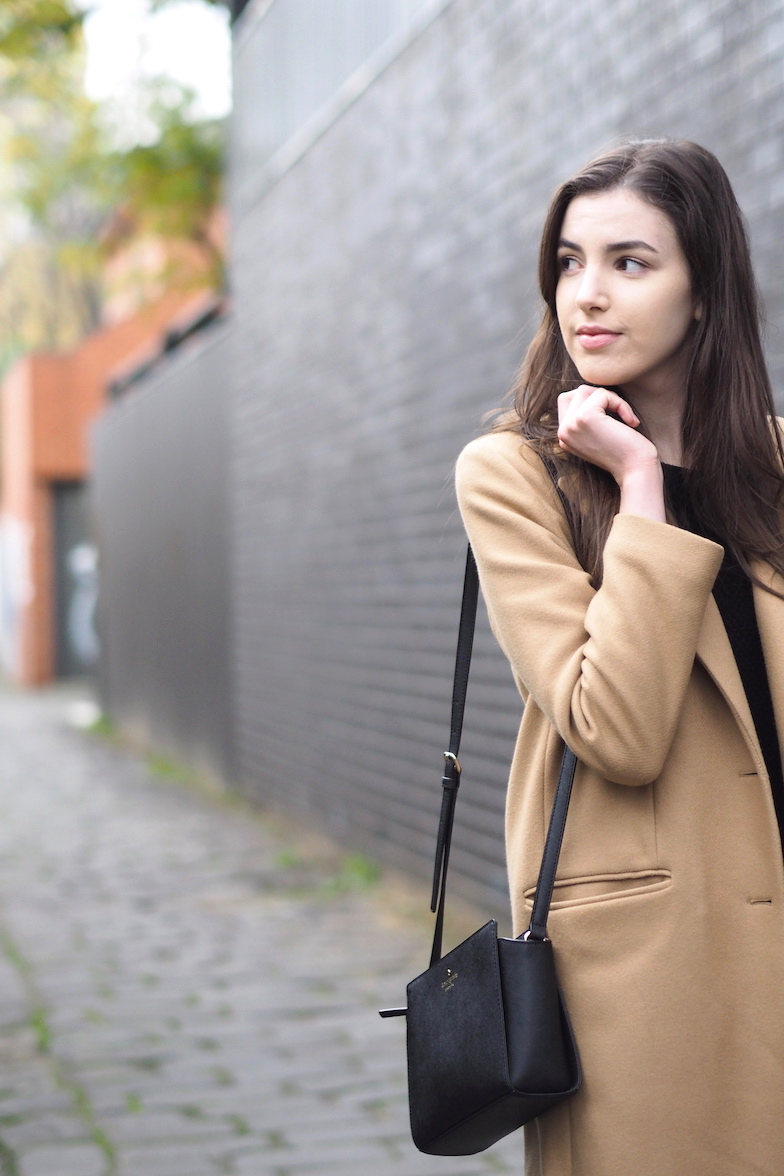 Female blogger, being happy with her own company