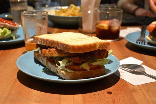 sandwich-seitan-oveja-negra-madrid