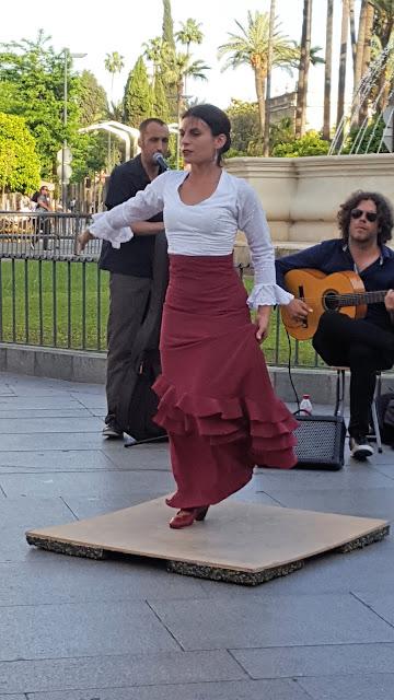 Bailaora callejera, Flamenco, Sevilla, Andalucía, España, Elisa N, Blog de Viajes, Lifestyle, Travel