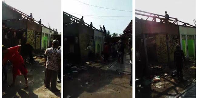 Tidak Suka, Rumah Kepala Desa Cikahuripan Sukabumi Dirobohkan Paksa oleh Warga
