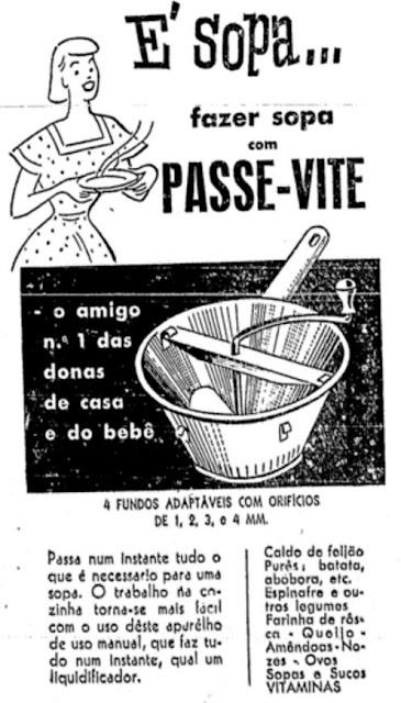 Propaganda de uma máquina manual para fazer sopas e caldos nos anos 50.