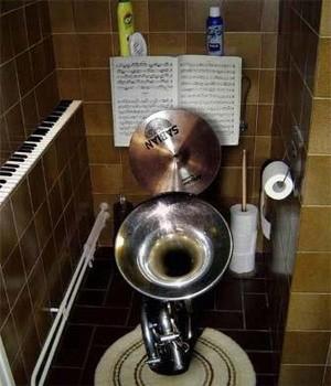 Desain dan Bentuk Toilet Paling Unik Lucu Kreatif dan Paling Berkesan