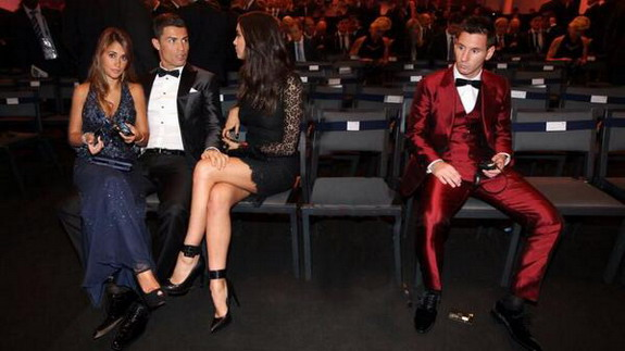 Your photoshopped Ballon d'Or photo of the day