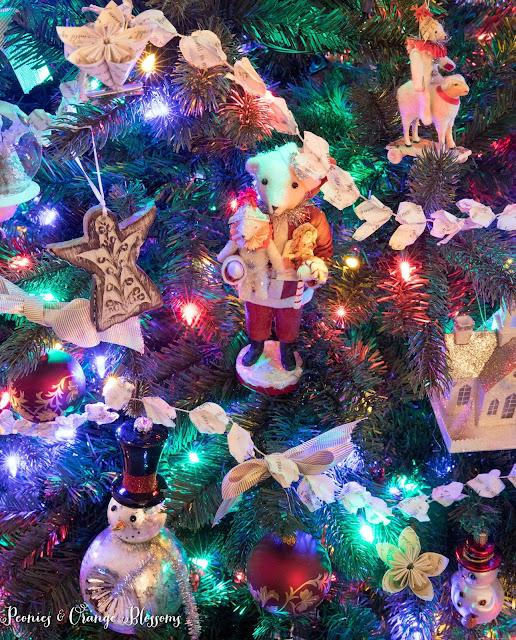 Classic Vintage Christmas tree ornament ideas