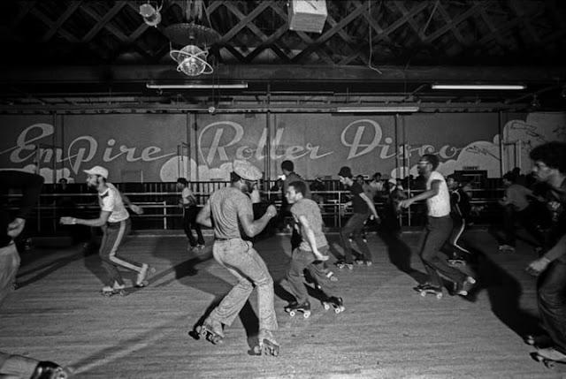 Estas fotos capturam perfeitamente a cena da discoteca dos anos 70
