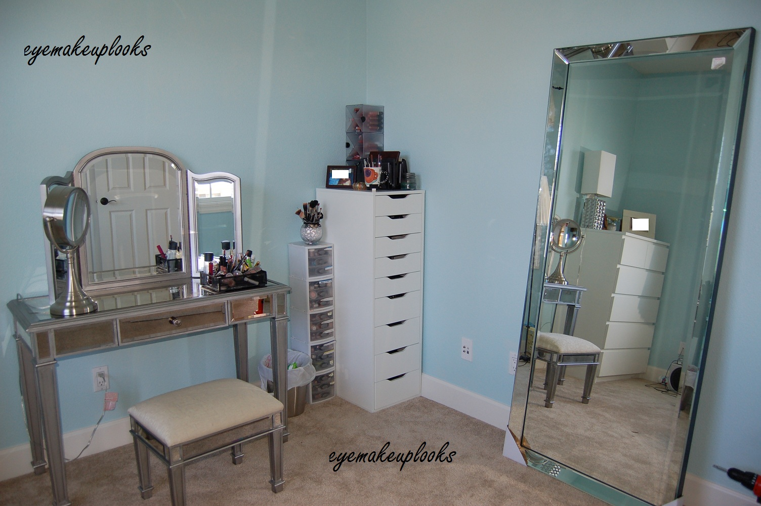 Eye makeup looks: My new makeup room!