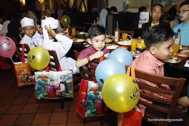 Majlis berbuka Puasa Bersama anak-anak yatim dan Selebriti di Nando's | Foto oleh Yusri Ibrahim