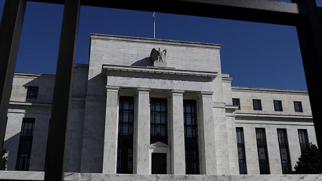 La economía de EE.UU. se desacelera y obliga a la Reserva Federal a mantener las tasas de interés