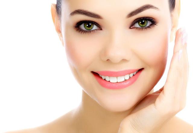 चेहरे की चमक बढ़ाने के लिए आसान और सुविधाजनक प्राकृतिक टिप्स - Quick And Easy Natural Tips For Glowing Face