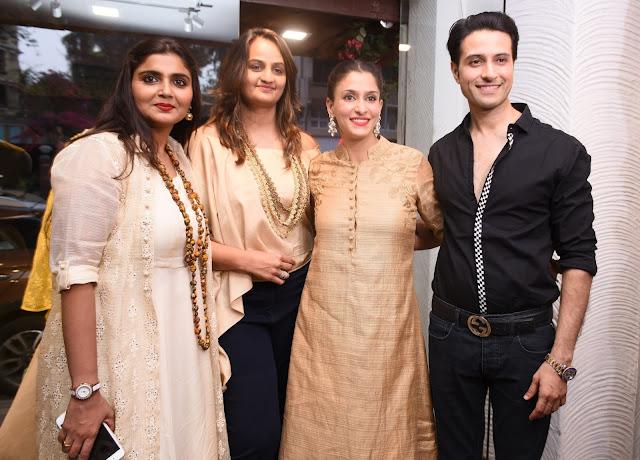 4. Bhumika & Jyoti  with Apoorva & Shilpa Agnihotri