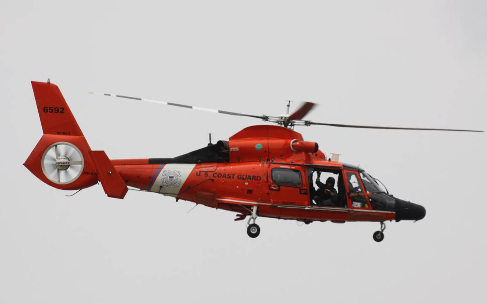Hh 65 Dolphin Us Coast Guard Helicopter besides Maserati Logo Wallpaper together with Maserati Gransport Spyder 2006 also Article as well Collectionydwn Yolk Sac Mouse. on yd pictures cars