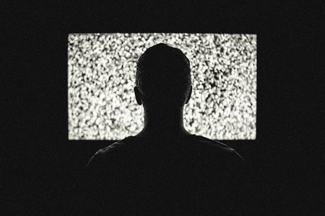rząd, telewizja, świadomość