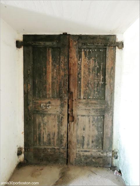 Fuerte Warren: Puerta de Madera