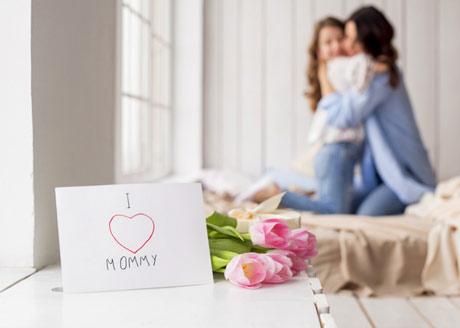 Ibu merupakan sosok yang tak bisa tergantikan oleh siapapun dalam kehidupan kita 80+ Ucapan Selamat Hari Ibu dalam Bahasa Inggris dan Artinya
