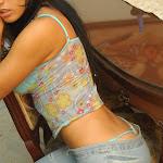Andrea Rincon, Selena Spice Galeria 34 : Blue Jean Y Blusa Con Flores Foto 21