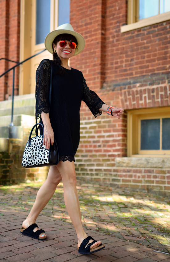 Outfit with black Birkenstocks