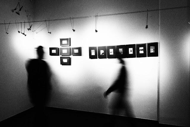 """Jednodniowa Wystawa Fotografii Klubu Fotograficznego """"Źródło"""" w Galerii Fryna w Rudzie Śląskiej."""