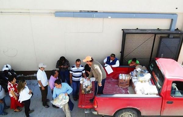 Empleados sindicalizados de Oaxaca se reparten las despensas que estaban destinados para los afectados del sismo