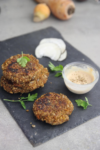 Cuillère et saladier : Galettes de légumes vegan