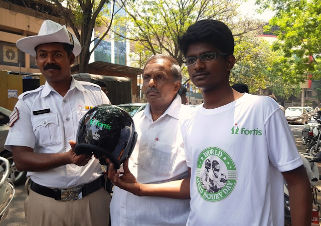 Senior Citizen received the helmet