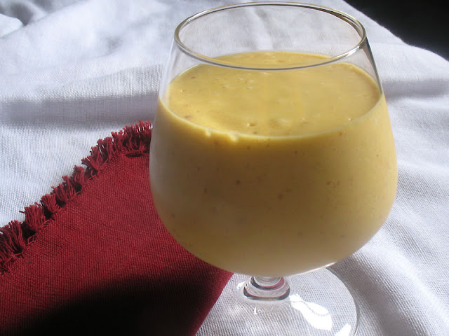 Mango Banana Coconut Smoothie