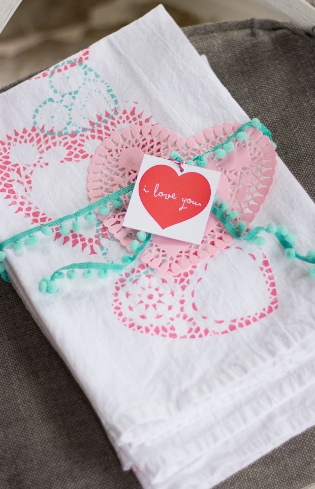 Heart doily stamped tea towels make the sweetest Valentine's Day gift! | http://www.designimprovised.com