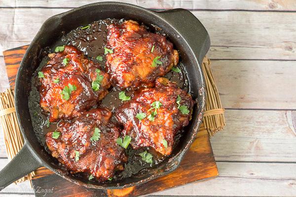 BBQ chicken in Cast iron pan