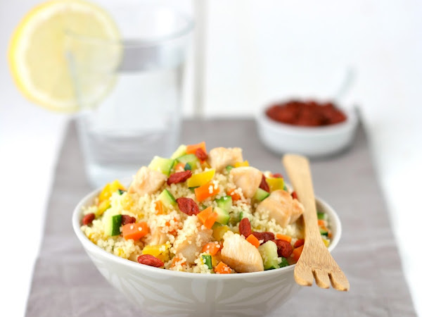 Cous cous con verdure, pollo e bacche di goji