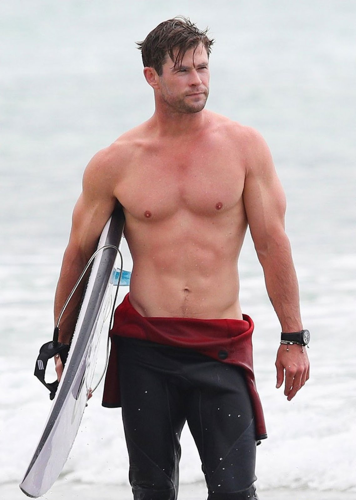 My New Plaid Pants Chris Hemsworth Is For Everybody