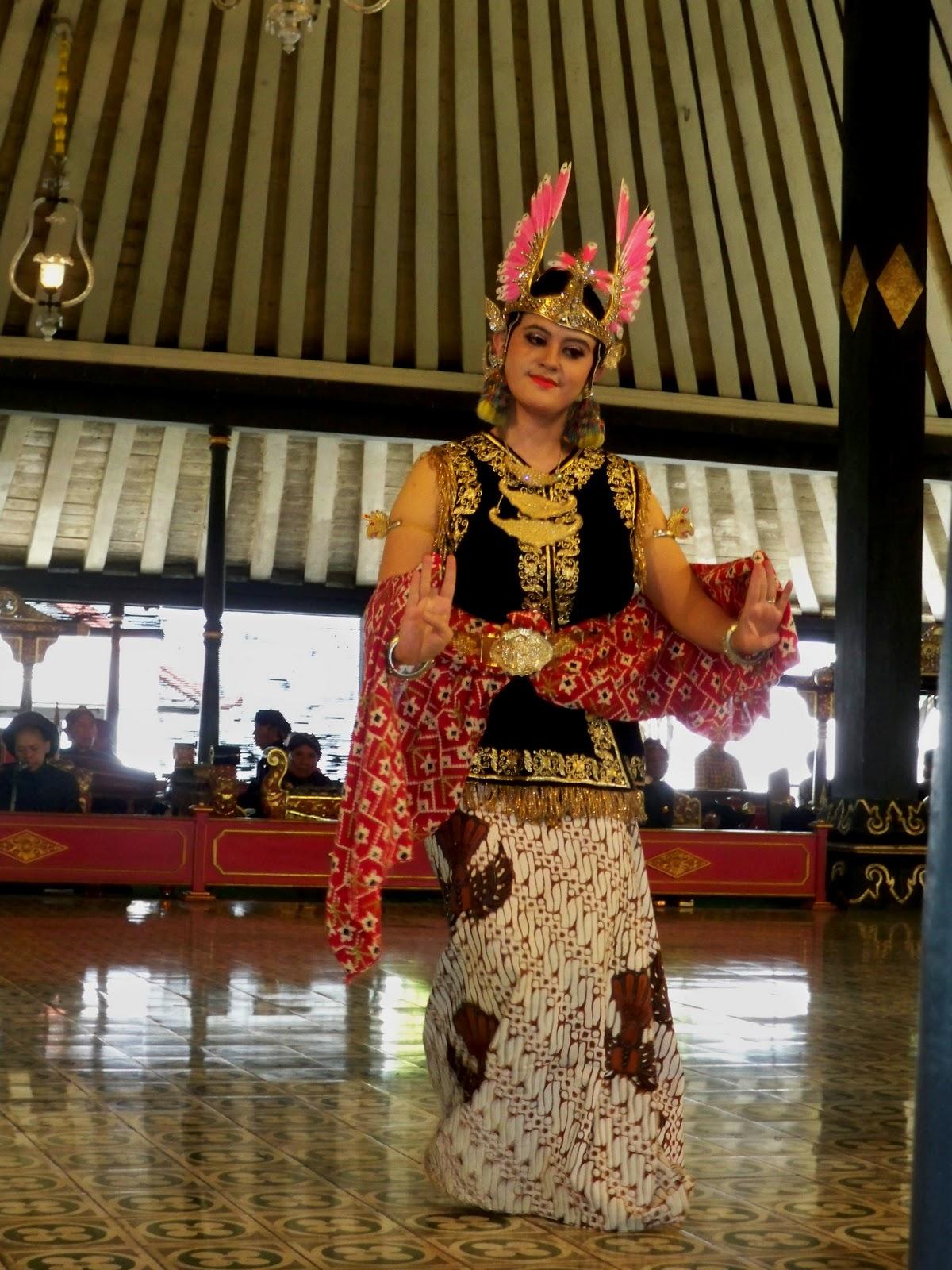 Seni Pertunjukan Tradisional Jawa Tengah : pertunjukan, tradisional, tengah, Ragam, Budaya, Indonesia:, TRADISIONAL, YOGYAKARTA