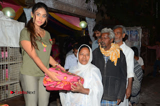 Actress Sri reddy (apthatrust director) Distrubuted Blankets for Orphans at Sai Baba Temple  0022.JPG