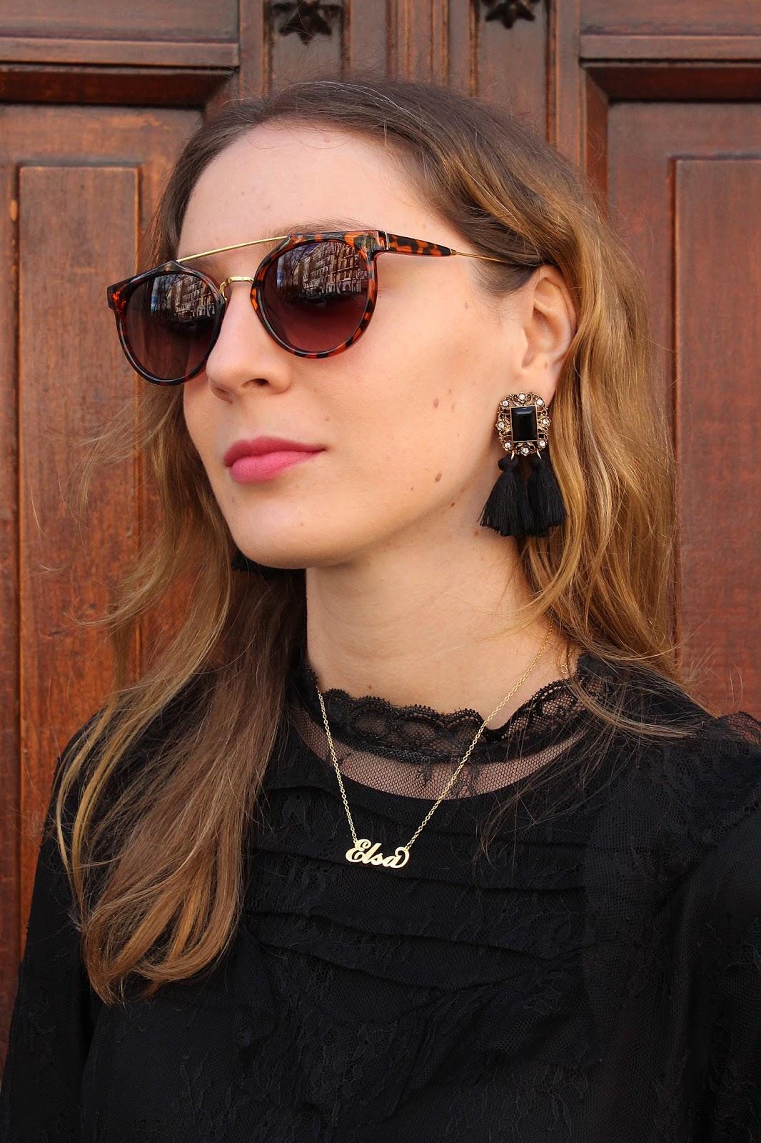 total-black-look-leather-skirt-street-style