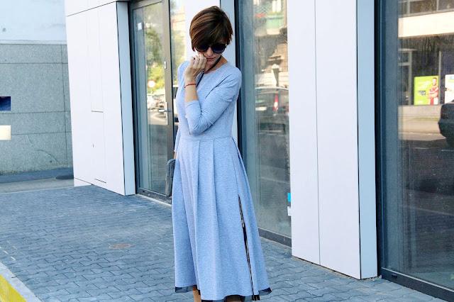 sukienka 7/8, jak nosić sukienke 7/8, midi, szara sukienka, porady stylistki, blog po 30-tce, stylistka Poznań, klasyczna stylizacja, choker, velvet choker