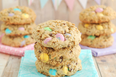 #oatmeal #whitechocolate #chocolatechip #cookie #m&m #dessert #snack #easter