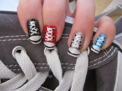 Unhas decoradas All Star , coloridas
