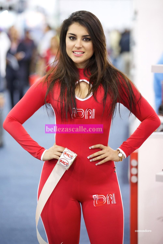 Culona en leggins rojos - 2 1