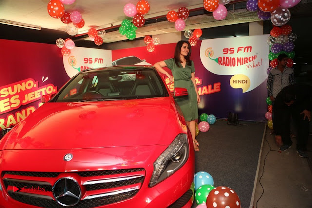 Raashi Khanna at Mirchi 95 Suno Mercedes Jeeto Contest Stills  0010