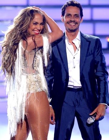 Foto de Marc Anthony en concierto junto a Jennifer López