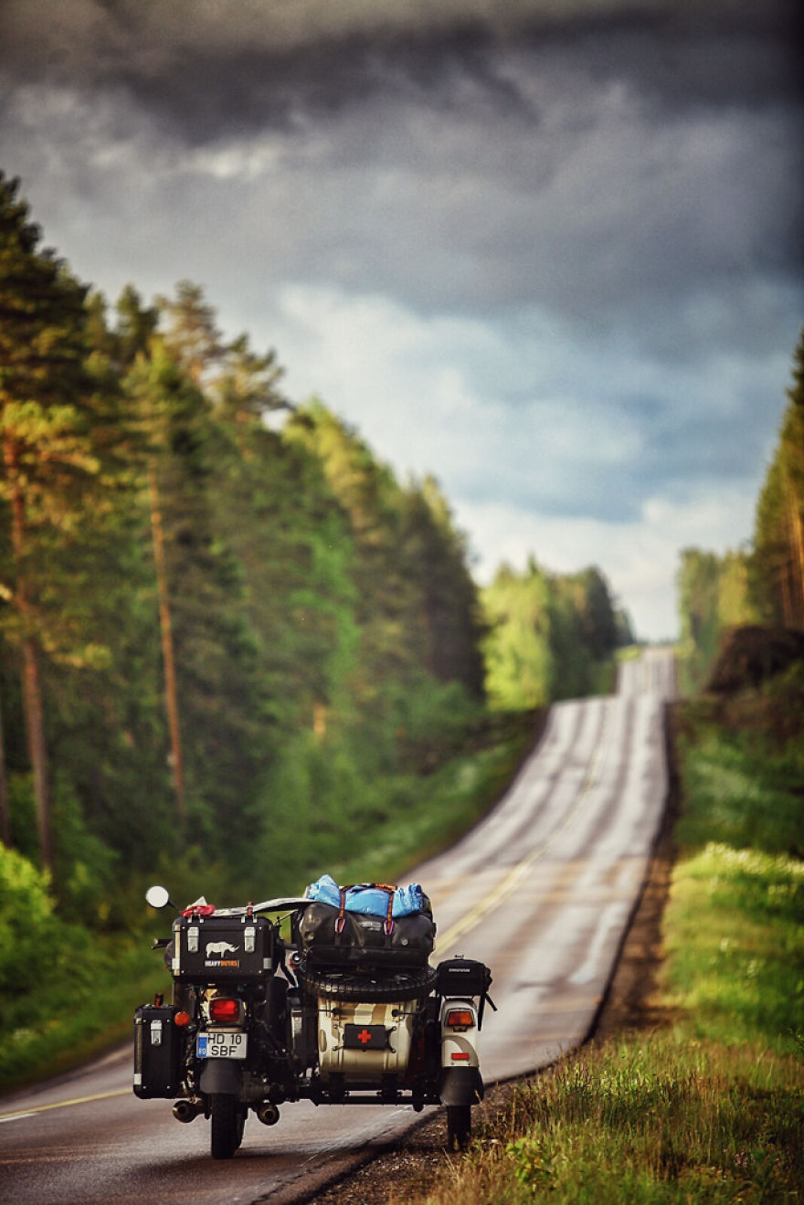 Finland's endless roads - We Wanted To Show The World To Our 4-Year-Old So We Went On A 28,000Km Trip Around Europe