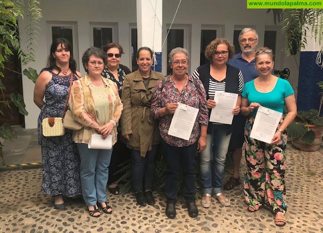 El Cabildo mantiene su apuesta por el sector artesanal de la isla y entrega nuevos carnés acreditativos