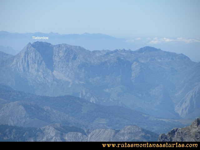 Ruta a la Torre del Friero: Vista del Tiatordos