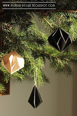 Pomysł na świąteczną dekorację – papierowe bombki