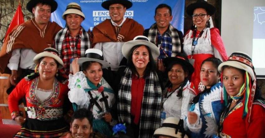 FLOR PABLO MEDINA: Los maestros del Bicentenario tienen que hacer el gran cambio que el país necesita