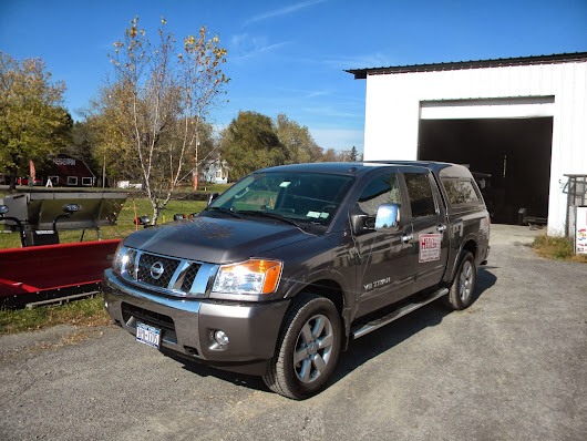 2012 Nissan Titan XTRA Short Bed with A.R.E. - MX Series Truck Cap